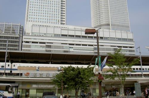家族5 消化不良のまま札幌への帰途につく